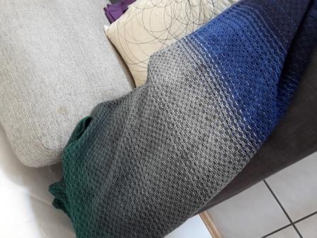 Das Tuch in kompletter Tuchbreite