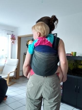 Im einfachen Rucksack mit Toddler